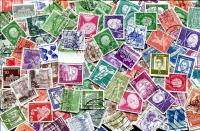 BERLIN. Only definitive stamps; some higher values seen. OFF PAPER A scarce mix, now! ≈ 250 STAMPS/OZ  Received JAN 2020