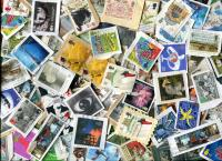 GREAT BRITAIN. Commemoratives ONLY (without Christmas issues). Mostly 20th century. BIG variety and closely clipped. SPECIAL PURCHASE!    **SOLD OUT**!!