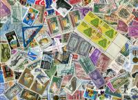 UNITED STATES. OFF PAPER mix from charity in USA. Old, new, Mostly Commemoratives up to about 41c era. As received.  Received  MAR 2020 **SOLD OUT**